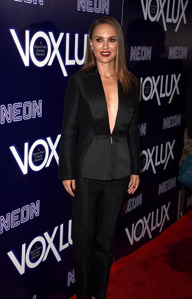 """Black Suit「Premiere Of Neon's """"Vox Lux"""" - Red Carpet」:写真・画像(12)[壁紙.com]"""
