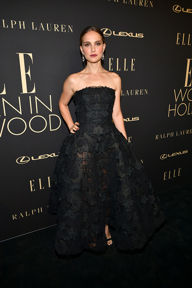 Hollywood - California「ELLE's 26th Annual Women In Hollywood Celebration Presented By Ralph Lauren And Lexus - Arrivals」:写真・画像(9)[壁紙.com]