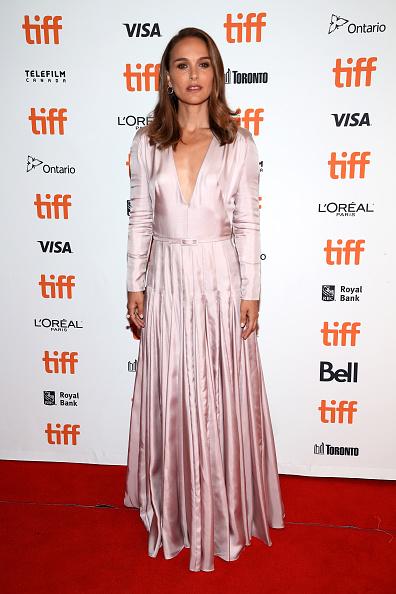 "Purple Dress「2018 Toronto International Film Festival - ""Vox Lux"" Premiere」:写真・画像(8)[壁紙.com]"