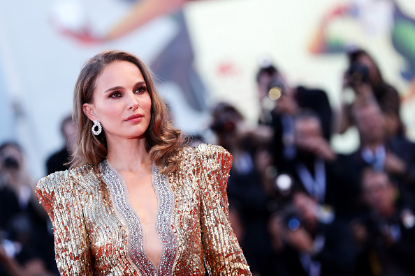 Natalie Portman「Vox Lux Red Carpet Arrivals - 75th Venice Film Festival」:写真・画像(8)[壁紙.com]
