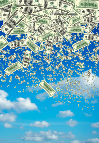 Economic fortune「falling money over clear sky」:スマホ壁紙(16)