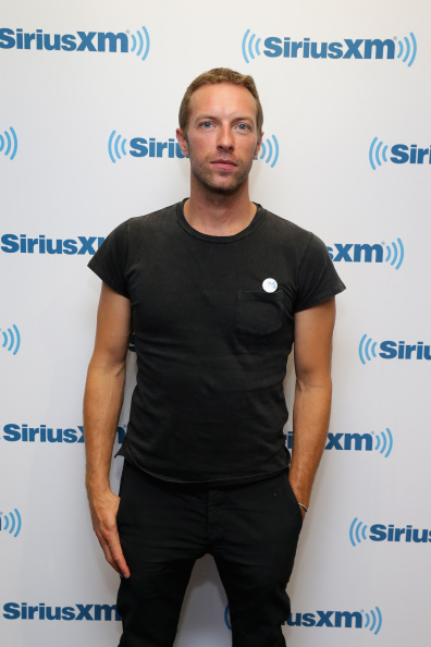 SIRIUS XM Radio「Chris Martin Of Coldplay Performs For SiriusXM's Artist Confidential Series In The SiriusXM Studios」:写真・画像(7)[壁紙.com]
