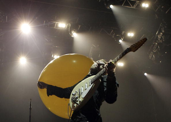 Yellow「Coldplay Perform At Rod Laver Arena」:写真・画像(0)[壁紙.com]