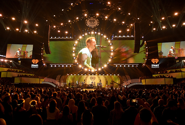 Coldplay「2017 iHeartRadio Music Festival - Night 1 - Show」:写真・画像(13)[壁紙.com]