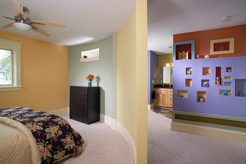 Ceiling Fan「Curved Wall in Multicolored Bedroom」:スマホ壁紙(2)