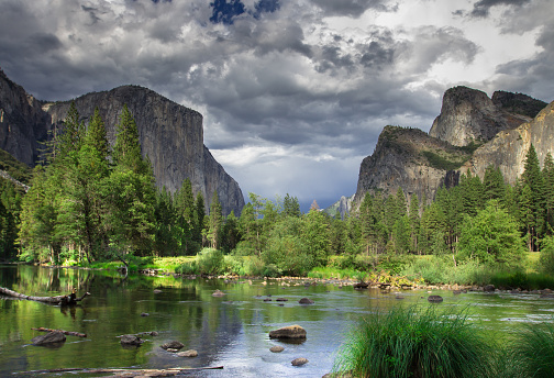 Dramatic Landscape「El Capitan and Three Brothers, Yosemite Valley」:スマホ壁紙(9)