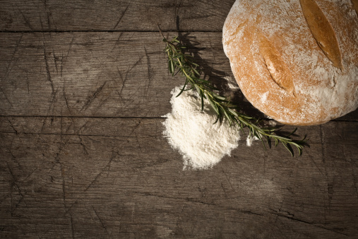 Auto Post Production Filter「Round Bread On A Wooden Table」:スマホ壁紙(17)