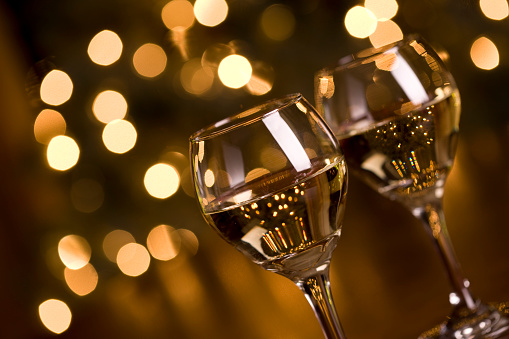 Drinking Glass「Wine and Christmas Lights」:スマホ壁紙(13)