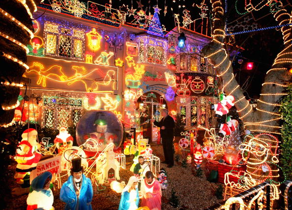 Christmas Lights「Suburbia Lights Up For Christmas」:写真・画像(10)[壁紙.com]