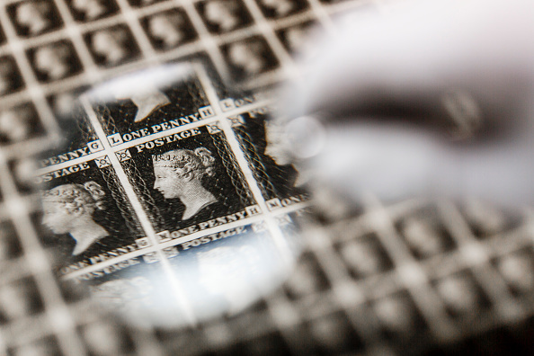 First Occurrence「Priceless Sheet Of World's First Stamps, The Penny Black, Leaves UK For First Time」:写真・画像(5)[壁紙.com]