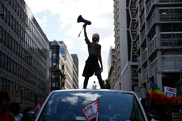 Standing「Black Lives Matter Protests Take Place Across The UK」:写真・画像(11)[壁紙.com]