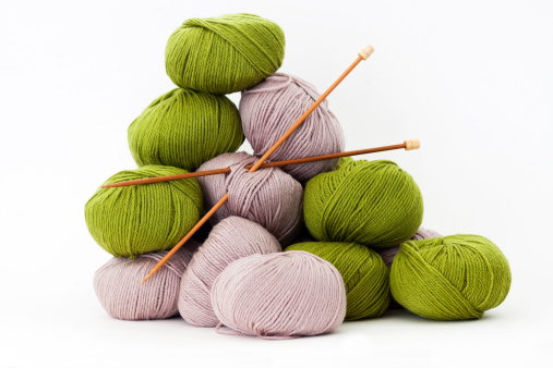 Ball Of Wool「Balls of merino wool with bamboo knitting needles, white background」:スマホ壁紙(14)