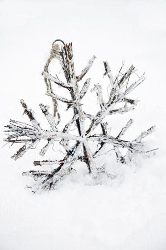 雪の結晶「木製スノーフレーククリスマス」:スマホ壁紙(16)