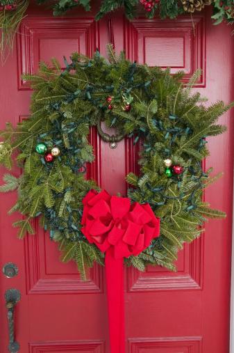 Life Events「Christmas wreath on door」:スマホ壁紙(14)