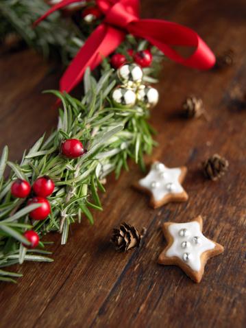 Hawthorn「Christmas wreath with star shape cookies」:スマホ壁紙(11)