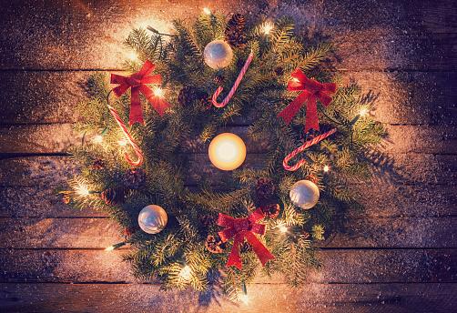 Pine Cone「Christmas Wreath」:スマホ壁紙(6)