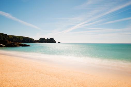 ビーチ「Porthcurno Beach」:スマホ壁紙(1)
