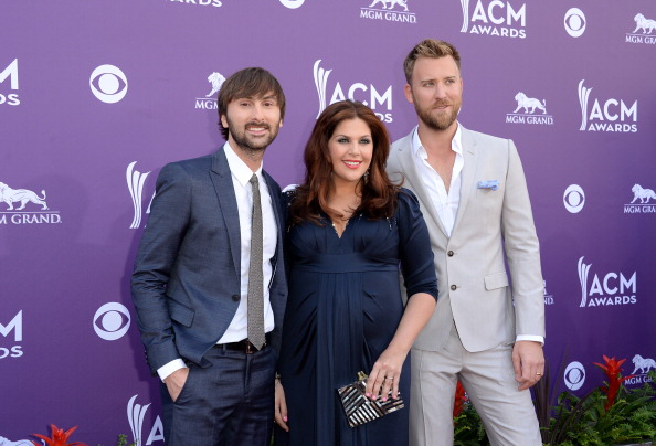 Blue Jacket「48th Annual Academy Of Country Music Awards - Arrivals」:写真・画像(5)[壁紙.com]