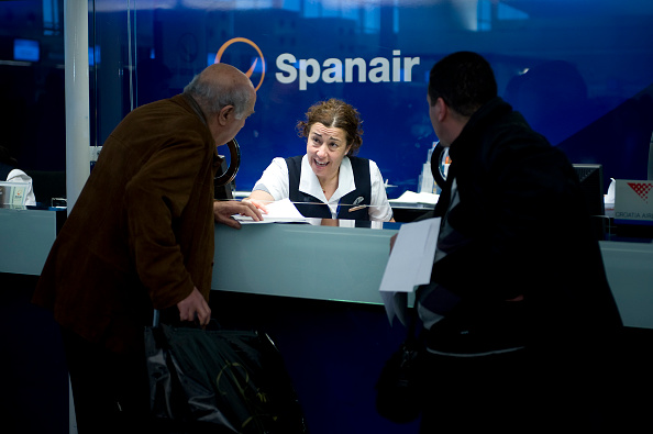 乗客「Spanish Airline Spanair Ceases Operations」:写真・画像(15)[壁紙.com]