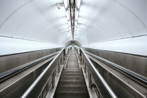 Tube「London Underground stairway, modern architectural detail」:スマホ壁紙(14)