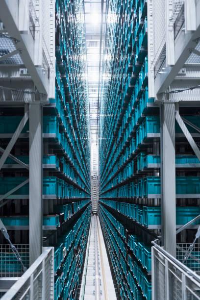Modern automatized high rack warehouse:スマホ壁紙(壁紙.com)
