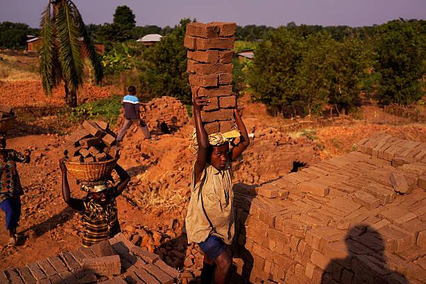 Burundians Struggle To Make A Living As Political Crisis Continues:ニュース(壁紙.com)