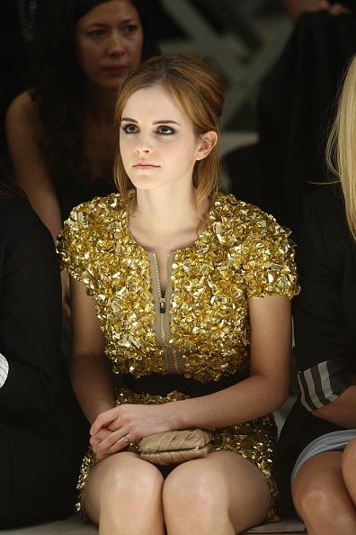 エマ・ワトソン「Burberry: Spring/Summer 2010 - London Fashion Week」:写真・画像(7)[壁紙.com]