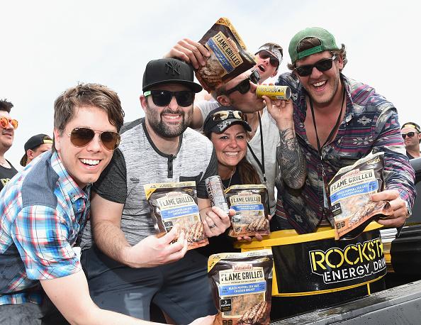 Chicken Meat「Country Thunder Music Festival Arizona - Day 2」:写真・画像(1)[壁紙.com]
