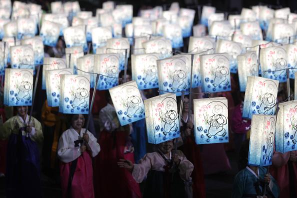 お祭り「Lantern Festival Celebrates Buddha's Birthday」:写真・画像(9)[壁紙.com]