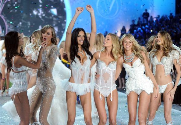 Victoria's Secret「2013 Victoria's Secret Fashion Show - Show」:写真・画像(3)[壁紙.com]