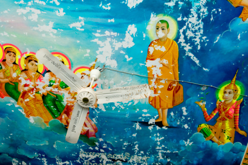 Ceiling Fan「Religious artwork on the ceiling of a locpagoda」:スマホ壁紙(16)