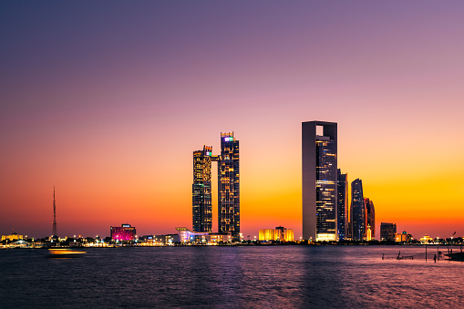 Iranian Culture「Abu Dhabi Skyscrapers at Sunset」:スマホ壁紙(5)