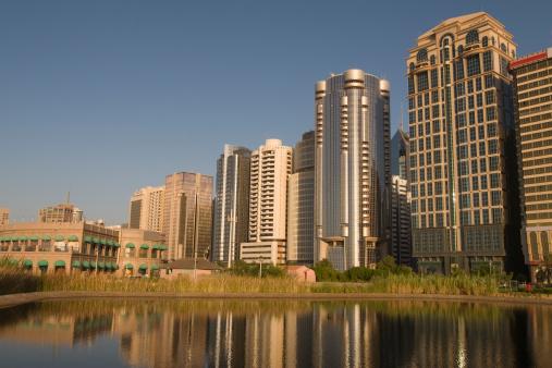Boulevard「Abu Dhabi Skyline」:スマホ壁紙(15)
