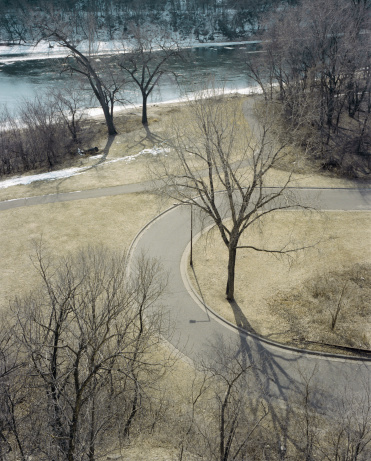 Hairpin Curve「USA, Minnesota, Minneapolis, landscape and Mississippi River」:スマホ壁紙(19)
