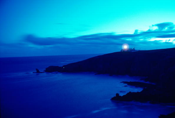 Copy Space「Lizard Point Lighthouse, Cornwall, England」:写真・画像(5)[壁紙.com]