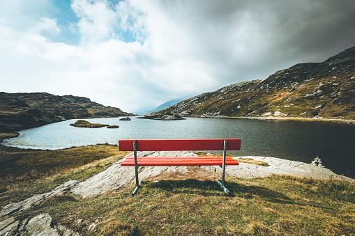 Scenics - Nature「red bench with a view, mountain lake san bernardino, switzerland」:スマホ壁紙(10)