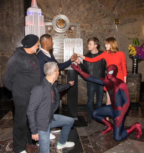 "Empire State Building「The Cast Of ""The Amazing Spider-Man 2"" Lights The Empire State Building In Honor Of Be Amazing Volunteer Day」:写真・画像(11)[壁紙.com]"