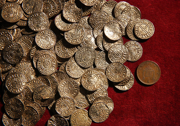 Coin「Lenburgh Anglo Saxon Coin Hoard On Show At The British Museum」:写真・画像(17)[壁紙.com]