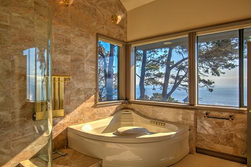 Corner「Bathroom bathtub: Modern, luxurious  by ocean in northern California」:スマホ壁紙(18)