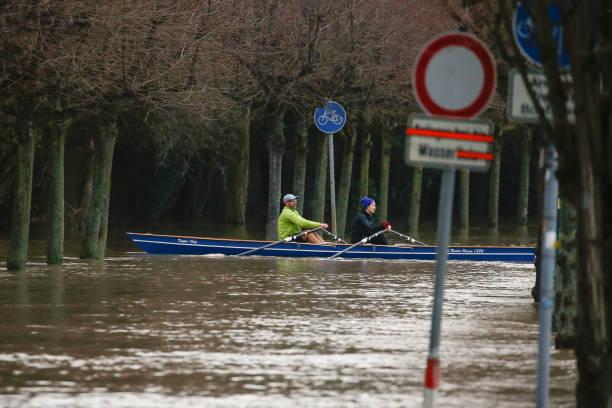 Rowing「Heavy Rains Flooded Parts In North Rhine-Westphalia」:写真・画像(7)[壁紙.com]