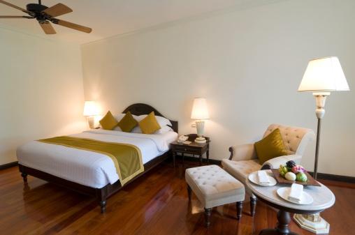 Motel「Luxury classic hotel bedroom suite interior」:スマホ壁紙(5)