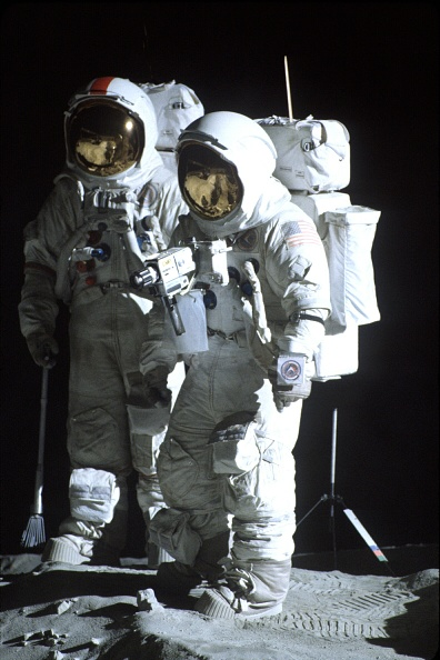 HBO「Space Suits Designed And Built By Chris Gilman Were Used In The HBO Miniseries From The Earth To The」:写真・画像(1)[壁紙.com]