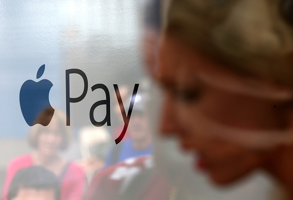 Paying「220,000 Stores Start Accepting Apple Pay」:写真・画像(16)[壁紙.com]