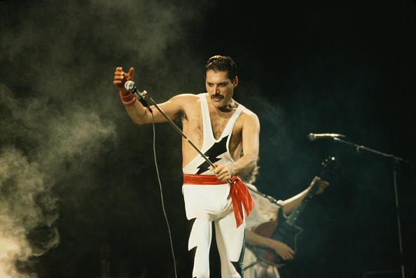 Two People「Freddie Mercury On Stage」:写真・画像(17)[壁紙.com]