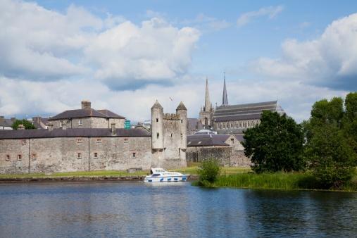 Circa 15th Century「15Th Century Enniskillen Castle」:スマホ壁紙(4)