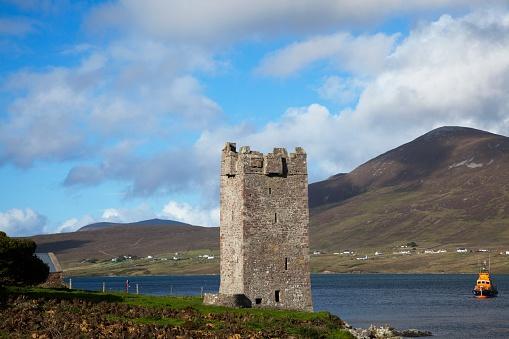 アキル島「15Th Century Kildavnet Castle; Achill Island, County Mayo, Ireland」:スマホ壁紙(9)