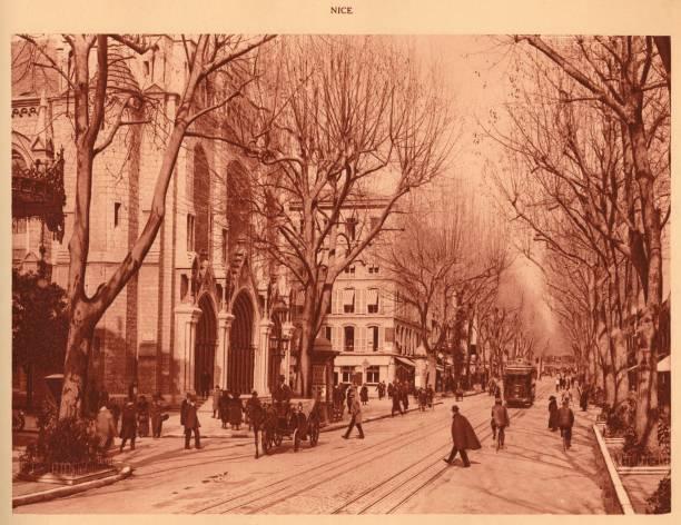 Avenue De La Victoire And Notre-Dame Church:ニュース(壁紙.com)