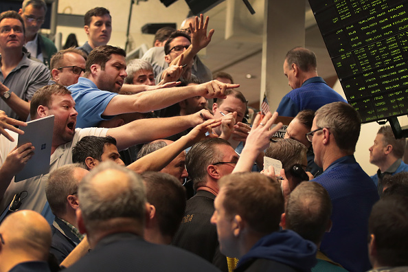 Stock Market and Exchange「Traders React To Market Volatility On Floor Of Cboe」:写真・画像(11)[壁紙.com]