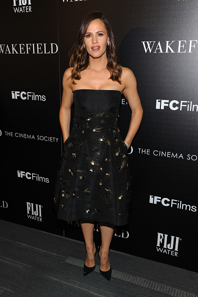 Full Length「Special Screening Of 'Wakefield' Hosted By FIJI Water And The Cinema Society」:写真・画像(9)[壁紙.com]