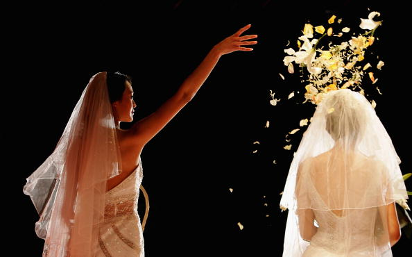 Petal「Wedding Fashion Show Held In Beijing」:写真・画像(1)[壁紙.com]